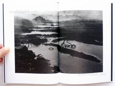 Sample page 9 for book  Hiroyasu Nakai – North Point (中居裕恭写真集 北点)